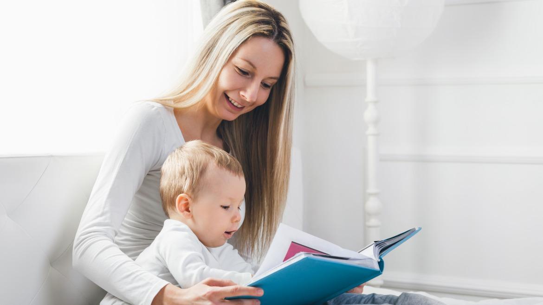 4 dôvody, prečo čítať deťom už od narodenia